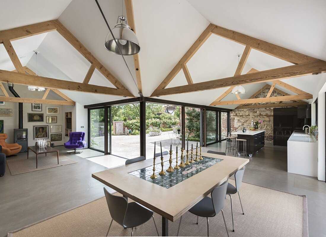 Contemporary barn conversion - Abbey Hall in the Picturesque Town of Eye (4)