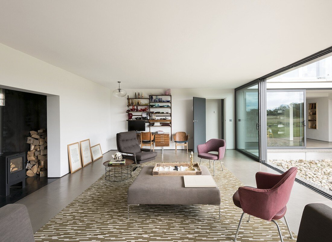 Contemporary barn conversion - Abbey Hall in the Picturesque Town of Eye (6)