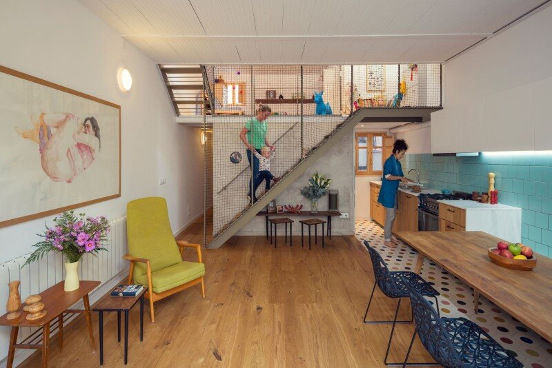 Custom House for the Lifestyle of a Young Couple (9)