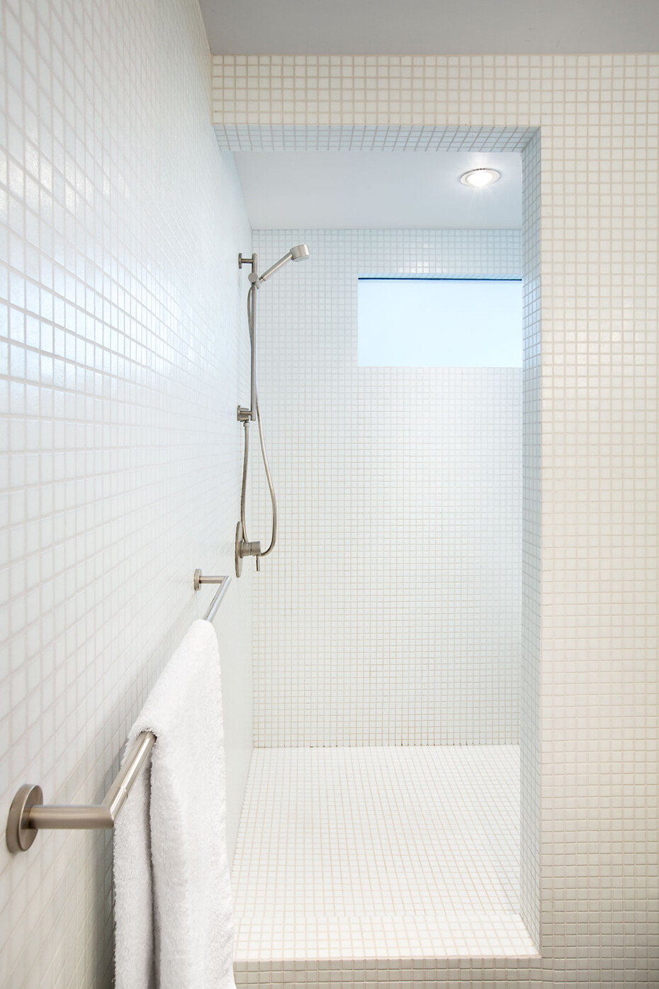 Glenview House - Renovation of a Mid 50′s House (15)