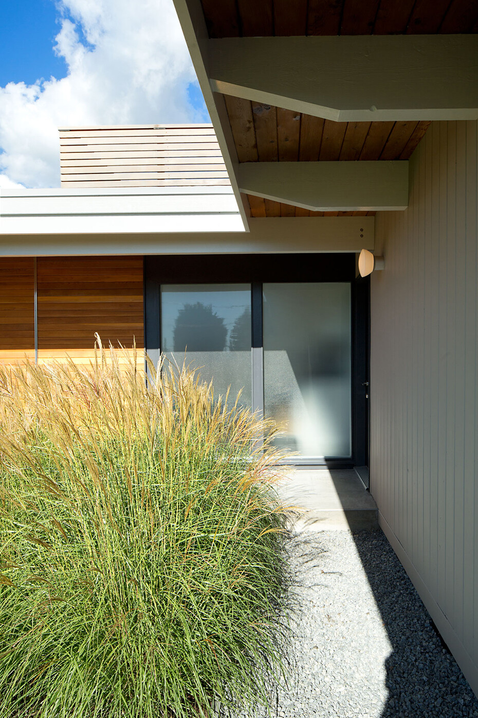 Glenview House - Renovation of a Mid 50′s House (3)