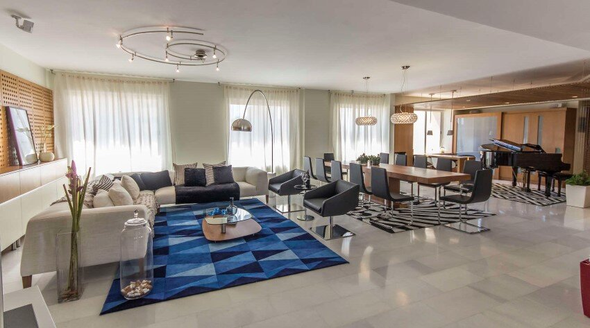 Grand Europa Apartment for a Family That Loves Music (11)