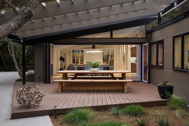 Mid-Century Modern House Remodeled for a Family of Five (1)