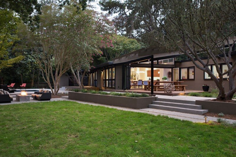 Mid-Century Modern House Remodeled for a Family of Five (10)