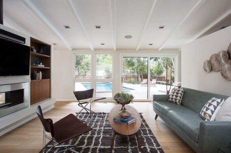 Mid-Century Modern House Remodeled for a Family of Five (11)