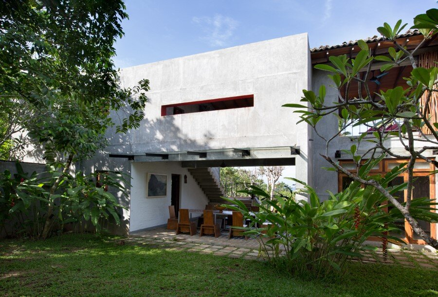This Sri Lankan Beach Villa is Serene, Relaxed and Intimate (22)