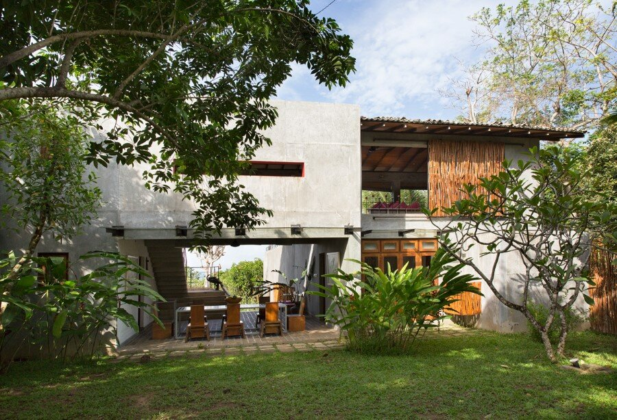 This Sri Lankan Beach Villa is Serene, Relaxed and Intimate (23)