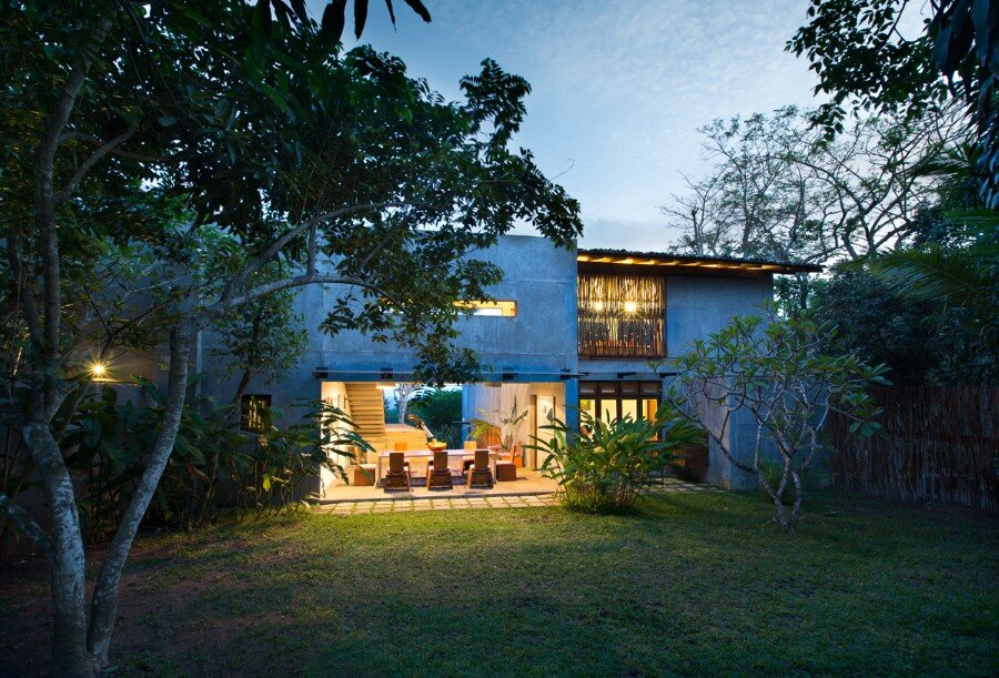 This Sri Lankan Beach Villa is Serene, Relaxed and Intimate (27)