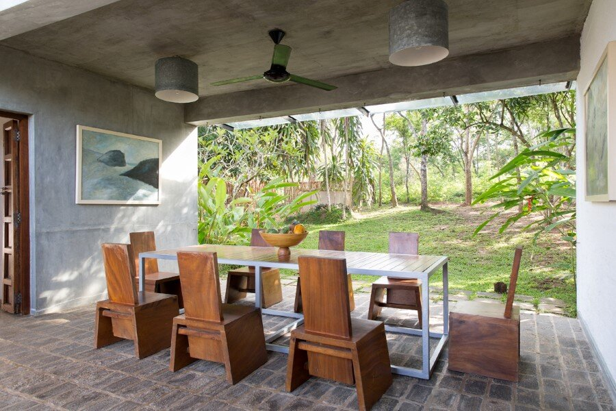 This Sri Lankan Beach Villa is Serene, Relaxed and Intimate (4)