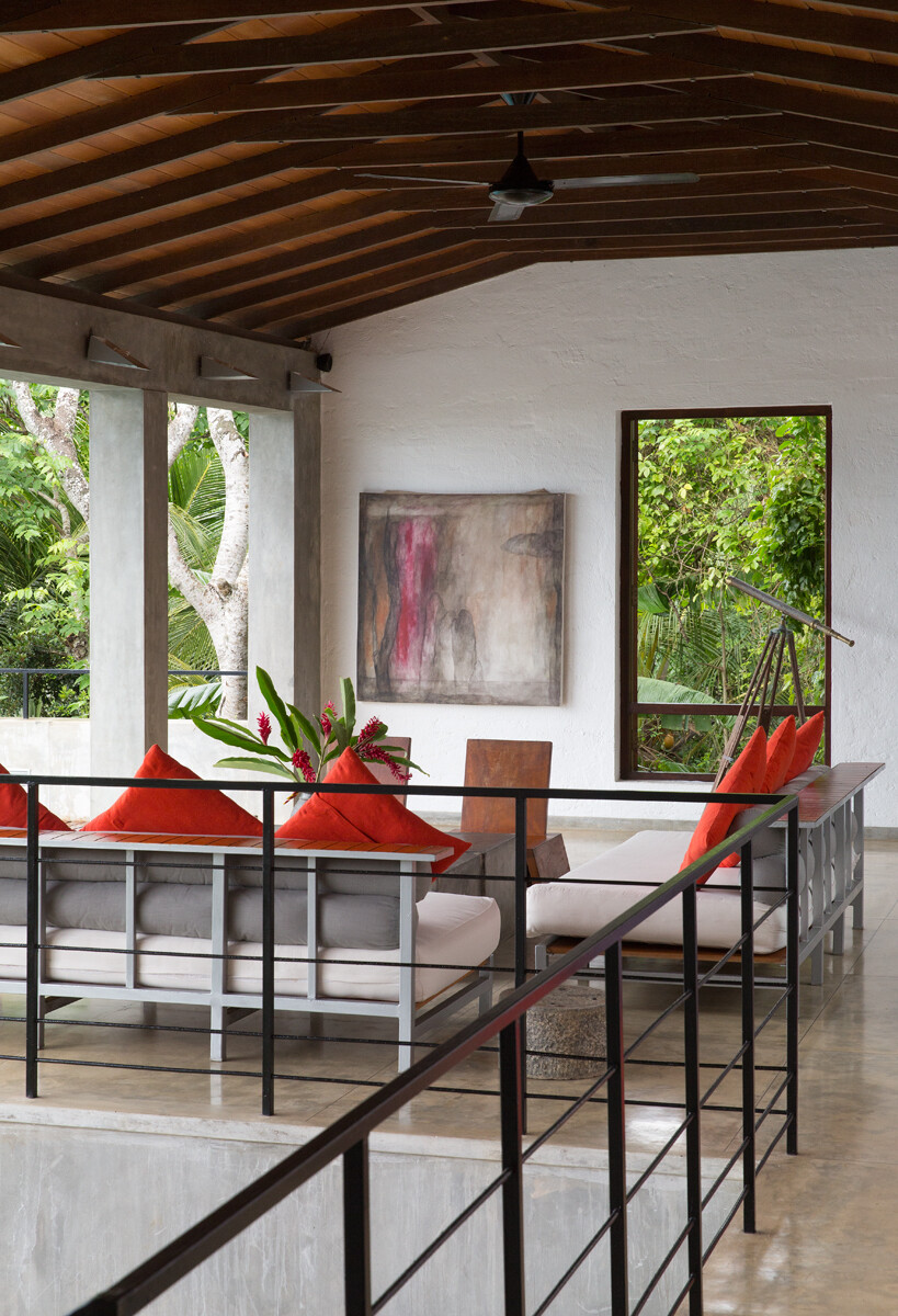 This Sri Lankan Beach Villa is Serene, Relaxed and Intimate (9)
