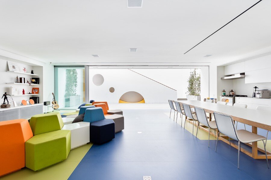 Toy House Was Conceived as a Huge Playground for a Growing Family (15)