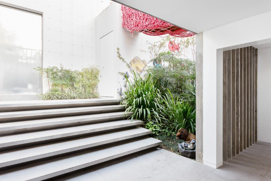 Toy House Was Conceived as a Huge Playground for a Growing Family (16)