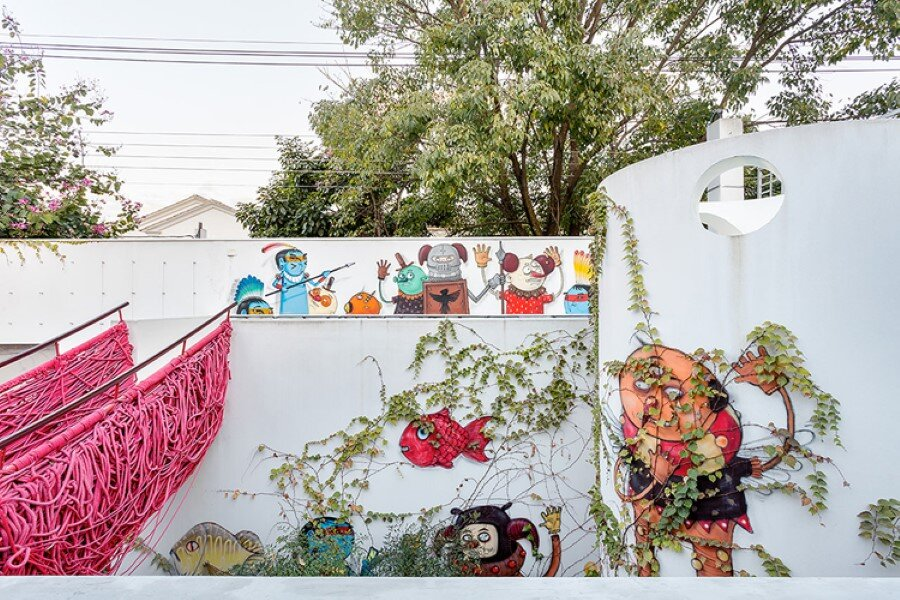 Toy House Was Conceived as a Huge Playground for a Growing Family (7)