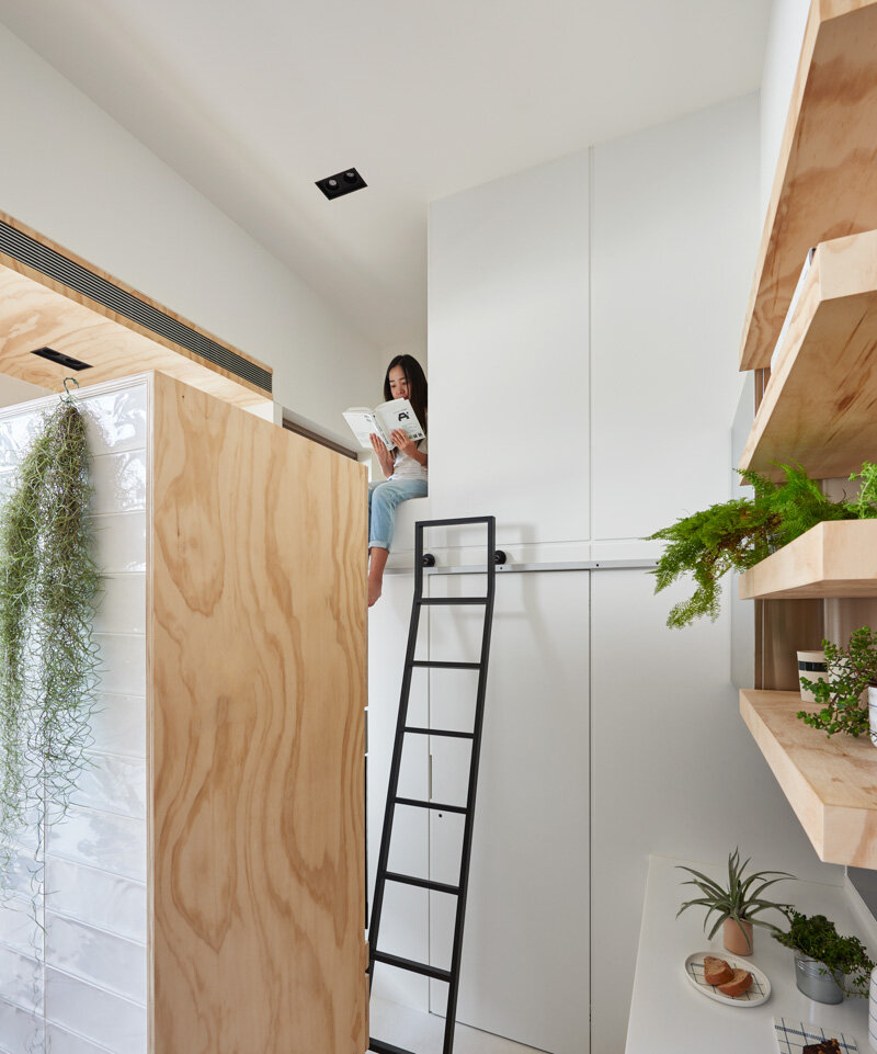 33 Square Meters Compact House with Innovative Vertical Architecture and Natural Decor (11)