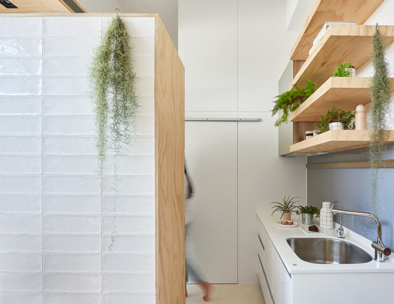 33 Square Meters Compact House with Innovative Vertical Architecture and Natural Decor (13)