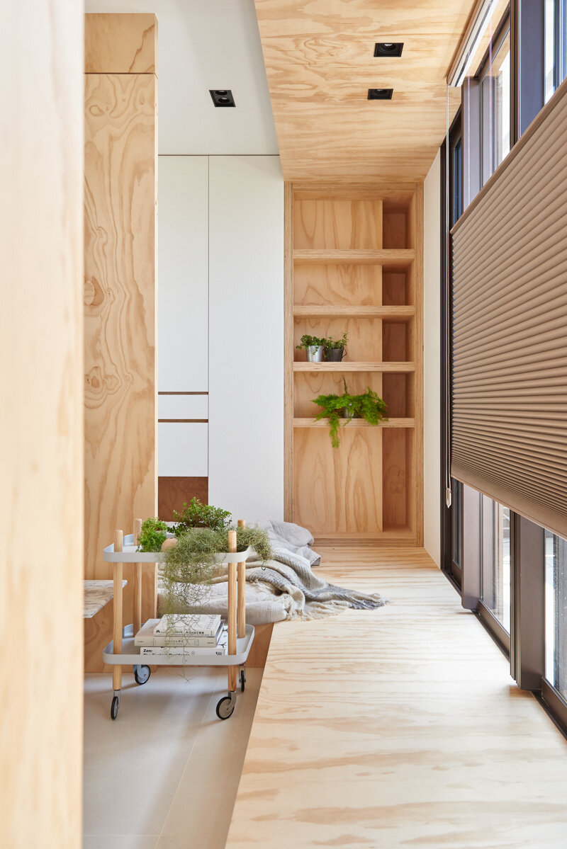 33 Square Meters Compact House with Innovative Vertical Architecture and Natural Decor (6)