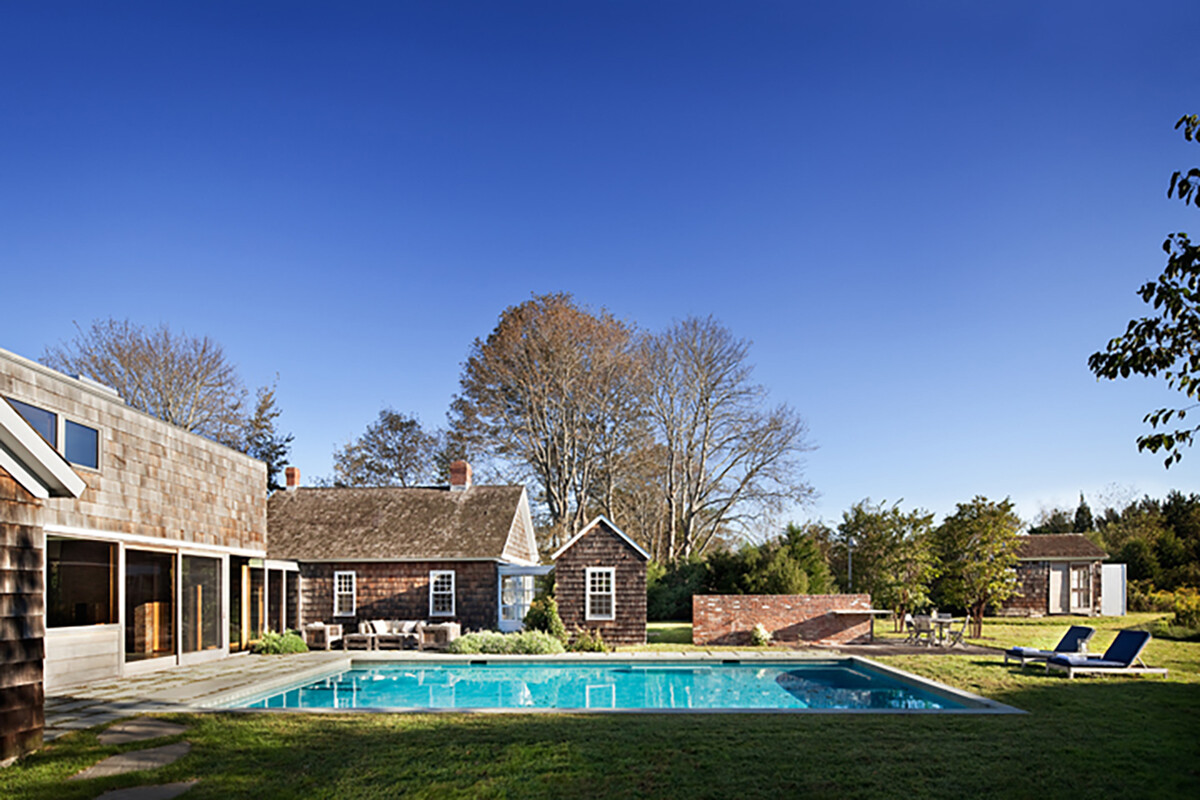 Sagaponack House - Created by Connecting Three 19th Century Barns (4)