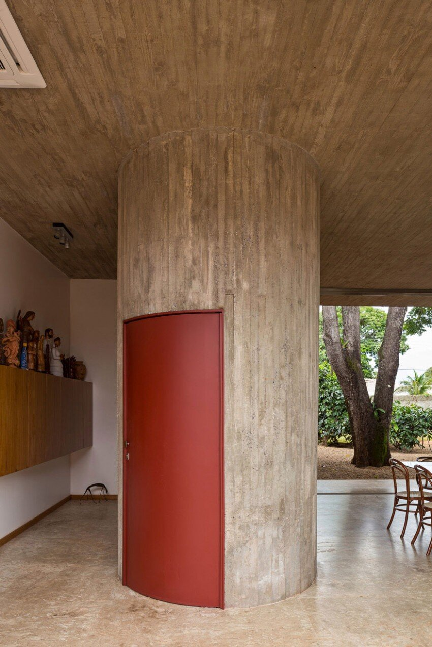 Sustainable Architecture with Low Cost Maintenance and Energy Efficiency Villa BLM (14)