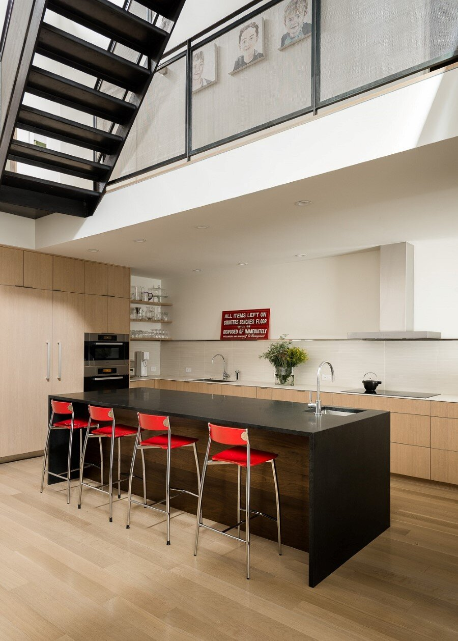 Unconventional Three-Story Atrium House in San Francisco (6)