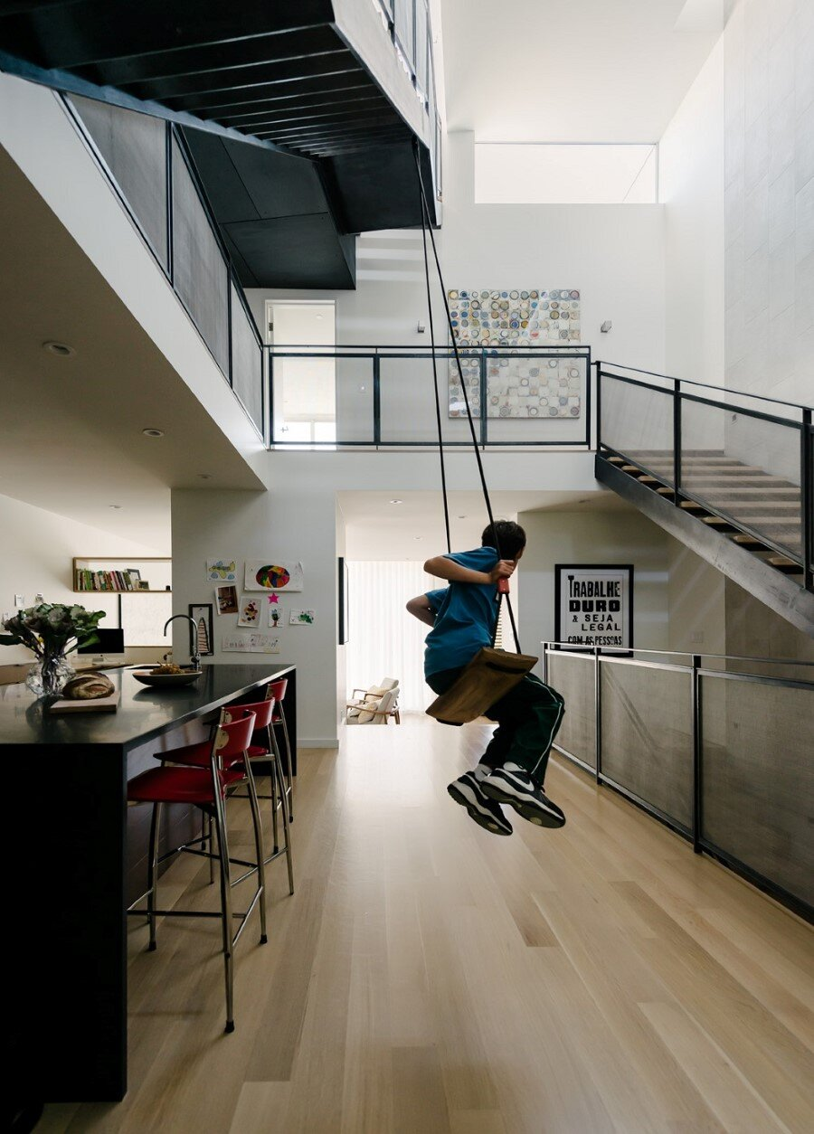 Unconventional Three-Story Atrium House in San Francisco (7)