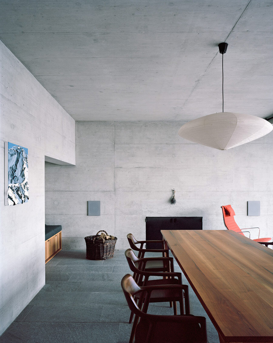 Underground House - The Antithesis to a House on a Slope (1)