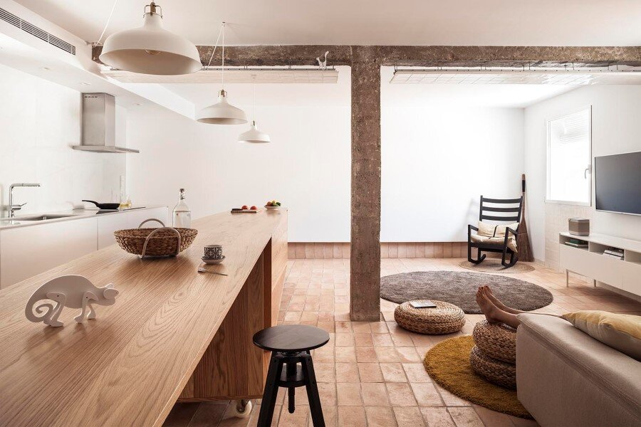 Vernacular Penthouse in Valencia, Spain (4)