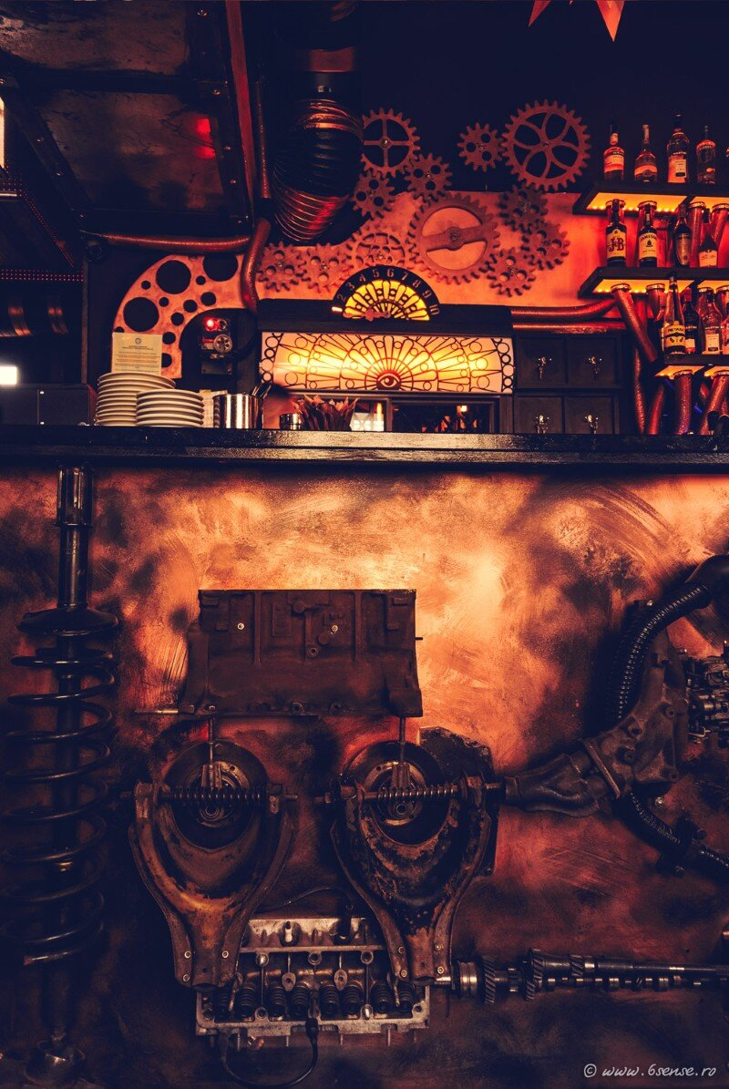 Enigma Cafe Incredible Kinetic Steampunk-Themed Bar (2)