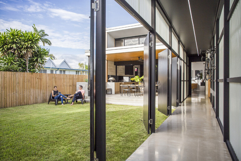 Laneway House by 9point9 Architects (1)