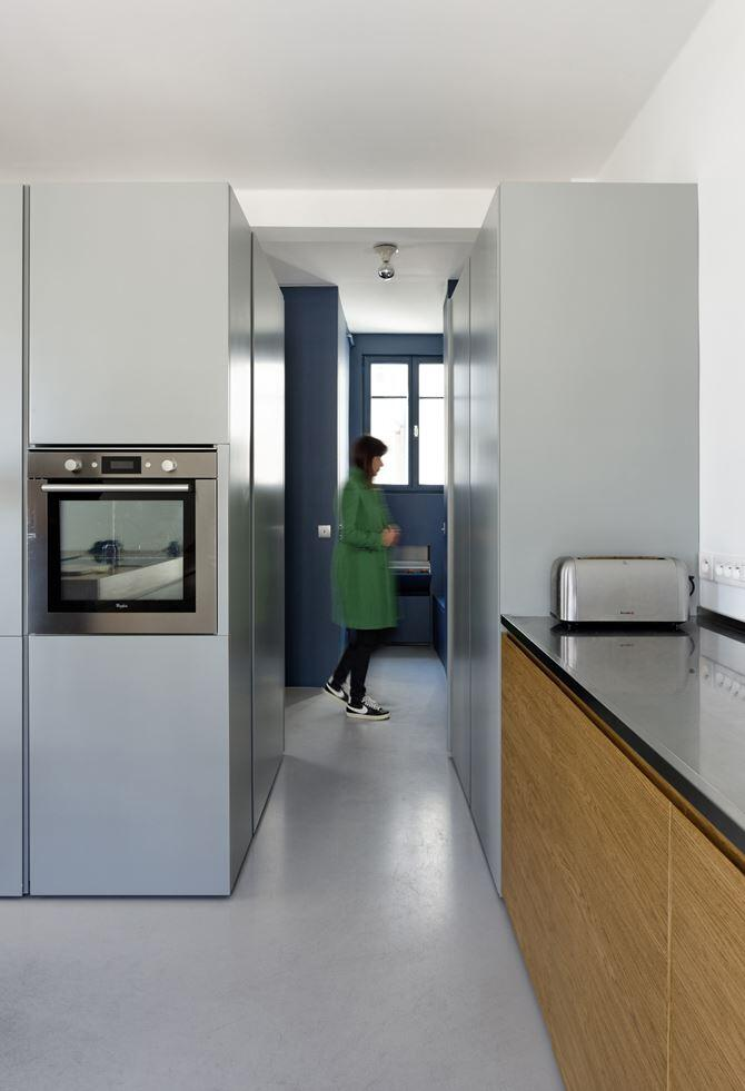 Maisonette Apartment by Ulli Heckmann and Eitan Hammer Paris (16)