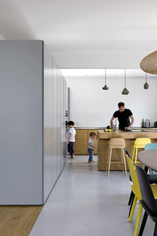 Maisonette Apartment by Ulli Heckmann and Eitan Hammer Paris (17)