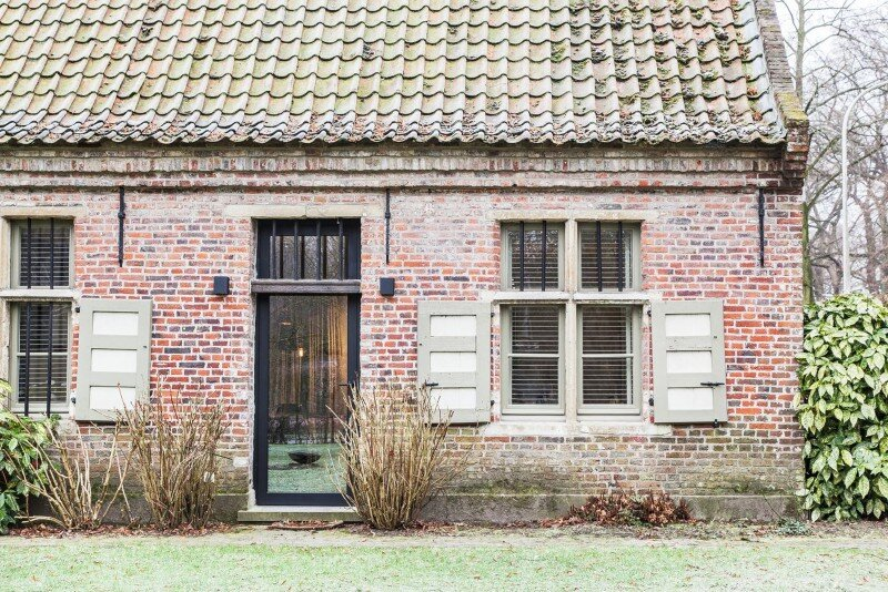 Old Farmhouse Renovation - The Perfect Balance Between Old and New (14)