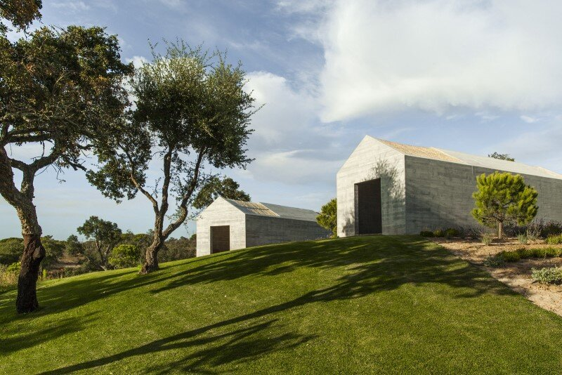 Traditional Portuguese Architecture Combined with a Contemporary Style Melides House (1)