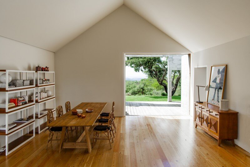 Traditional Portuguese Architecture Combined with a Contemporary Style Melides House (19)