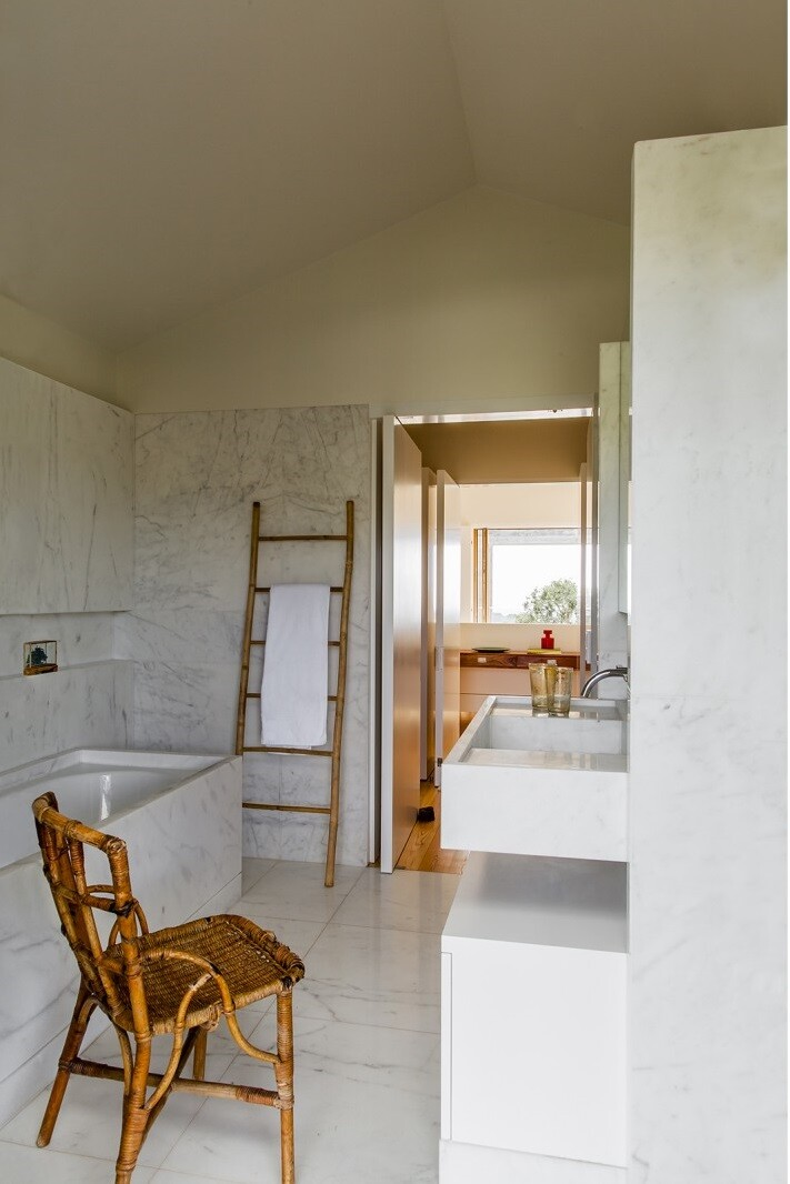 Traditional Portuguese Architecture Combined with a Contemporary Style Melides House (23)