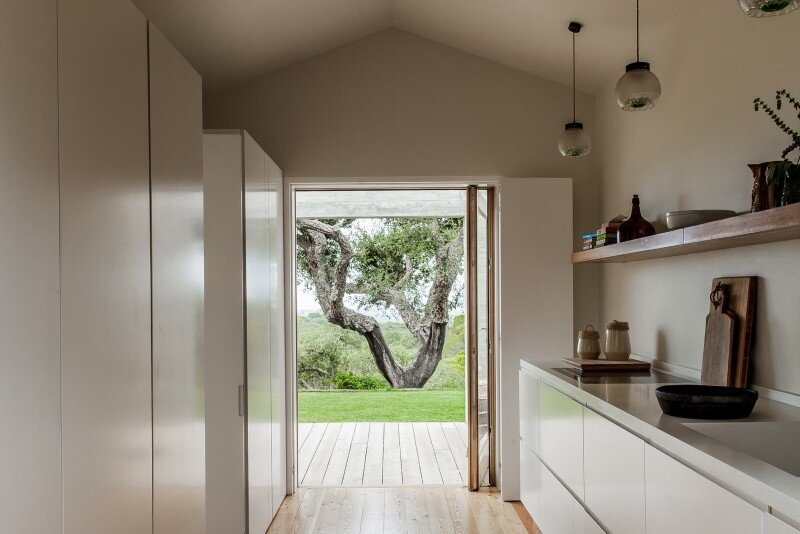 Traditional Portuguese Architecture Combined with a Contemporary Style Melides House (7)