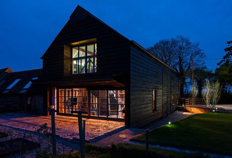 Ancient Party Barn - a Playful Re-working of Historic Agricultural Buildings (10)