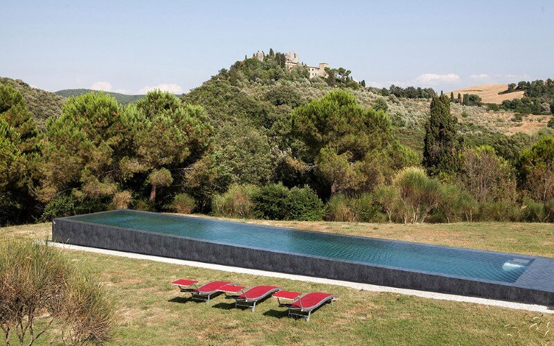 Art Hangar Modern Loft Built in the Middle of Tuscan Countryside (17)
