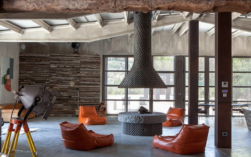 Art Hangar Modern Loft Built in the Middle of Tuscan Countryside (18)