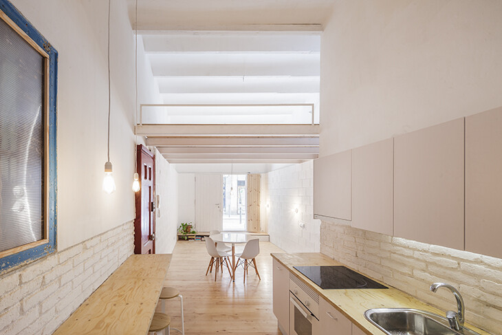 Casa Caballero in Barcelona - 35 sqm Turned into a Nice House (2)