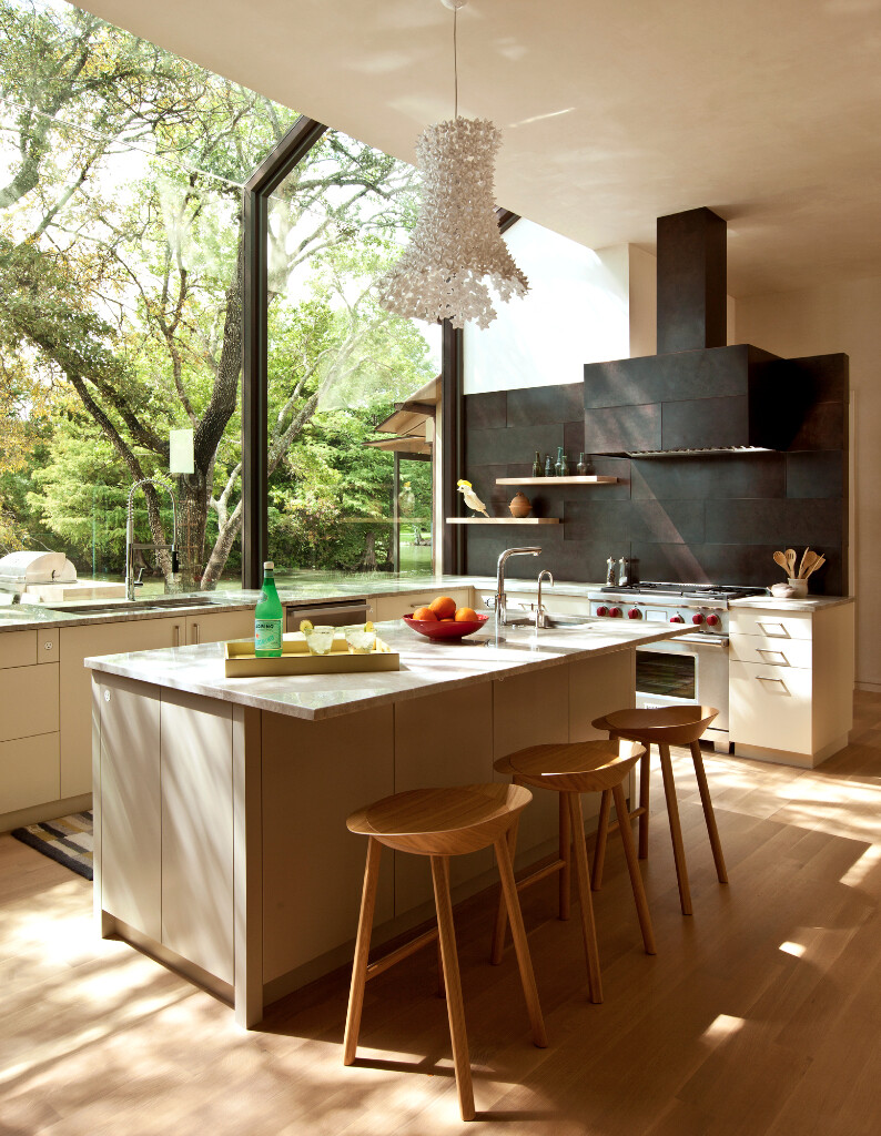 Cove House - Remodeling of a 1980s House in Austin (10)
