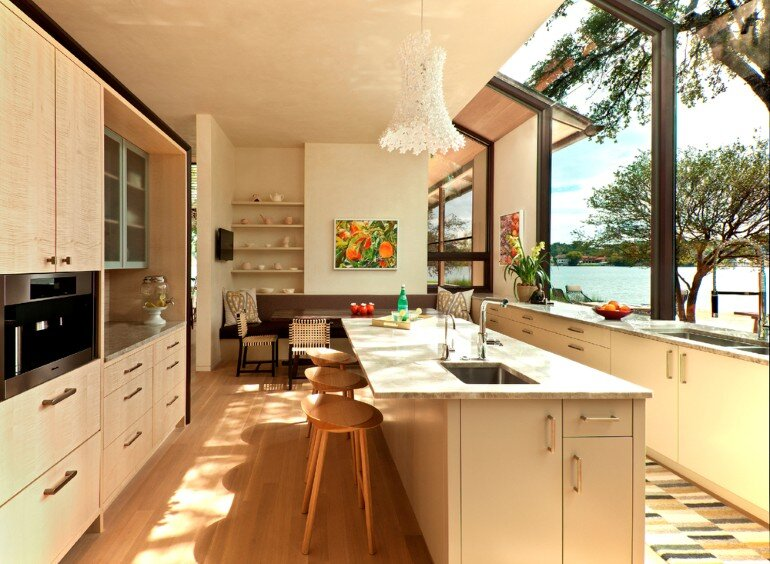 Cove House - Remodeling of a 1980s House in Austin (15)