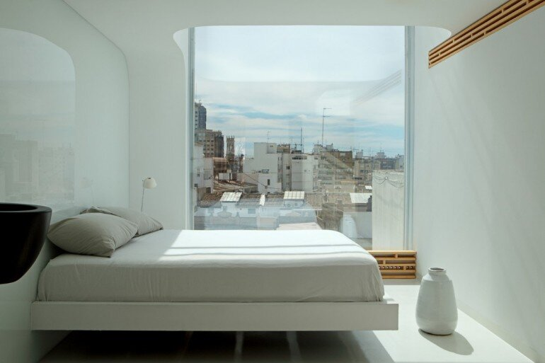 Valencia Penthouse Naturalness, Neutrality and Brightness (3)