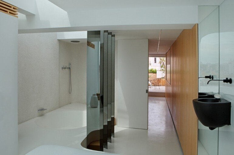 Valencia Penthouse Naturalness, Neutrality and Brightness (6)