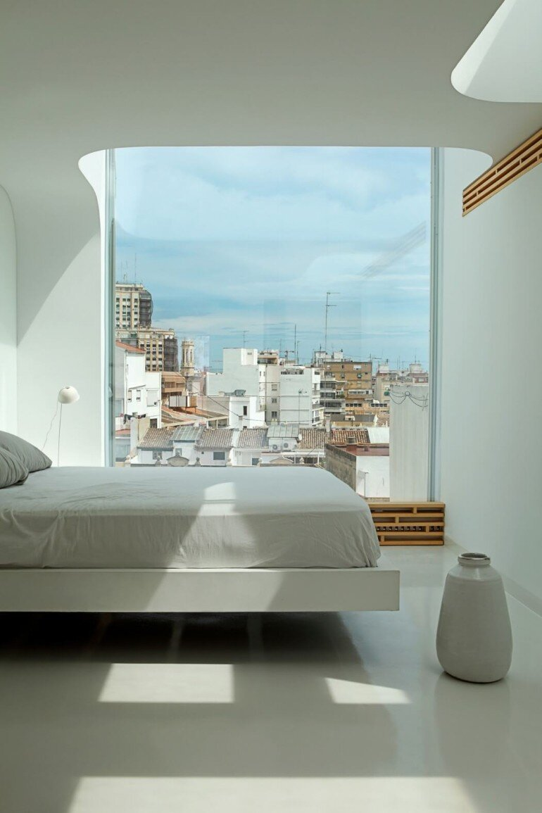 Valencia Penthouse Naturalness, Neutrality and Brightness (7)