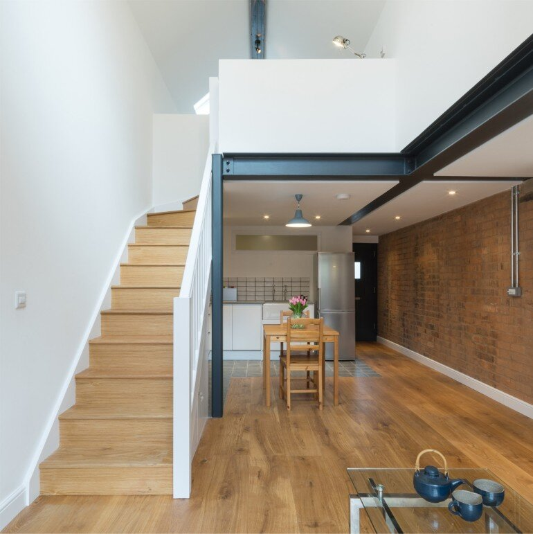Writer's Coach House by Intervention Architecture (3)