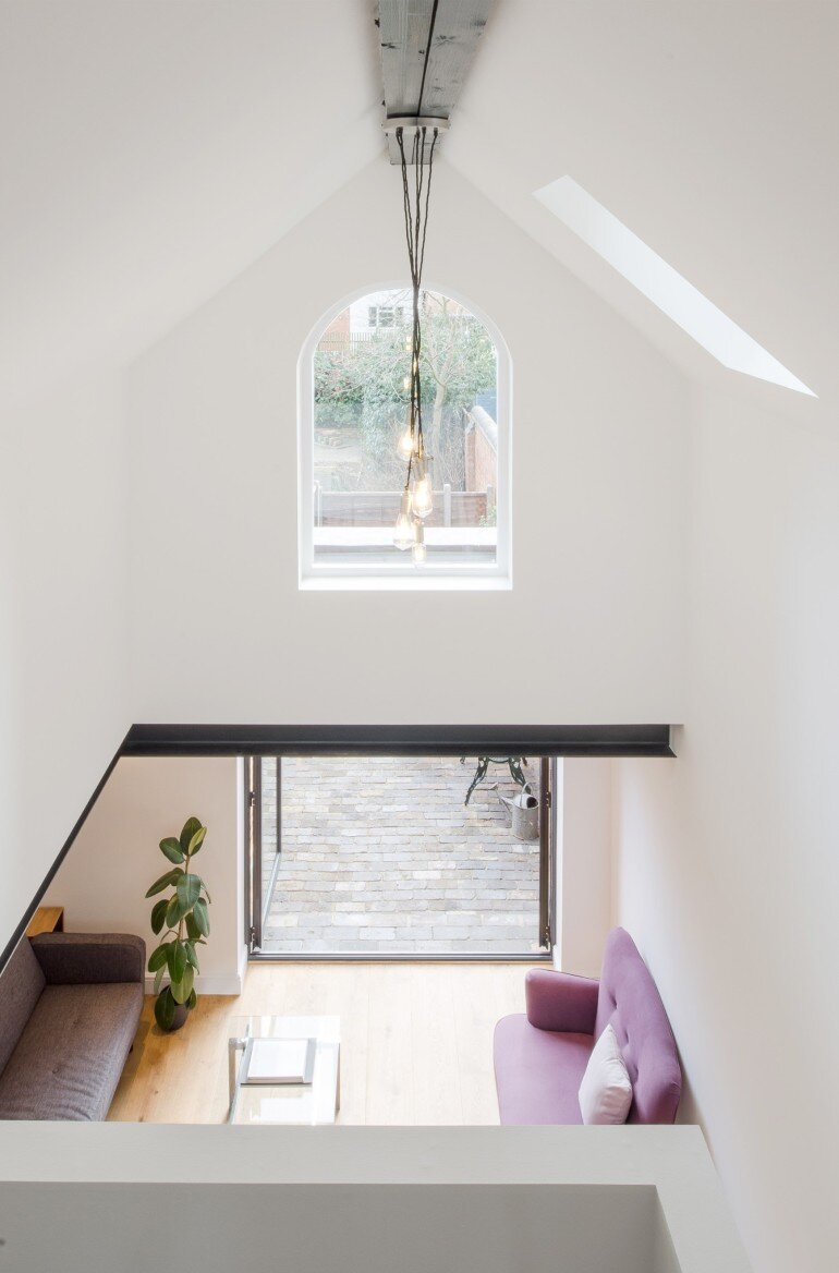 Writer's Coach House by Intervention Architecture (4)
