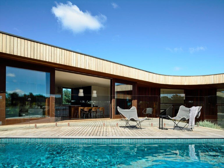13th Beach Courtyard House by Auhaus Architecture (1)