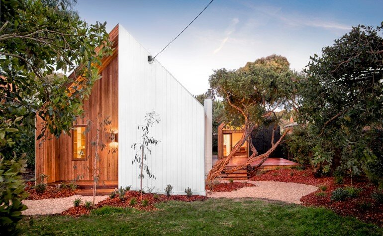 An Extensive Renovation of a Tiny Weatherboard Beach Shack (1)