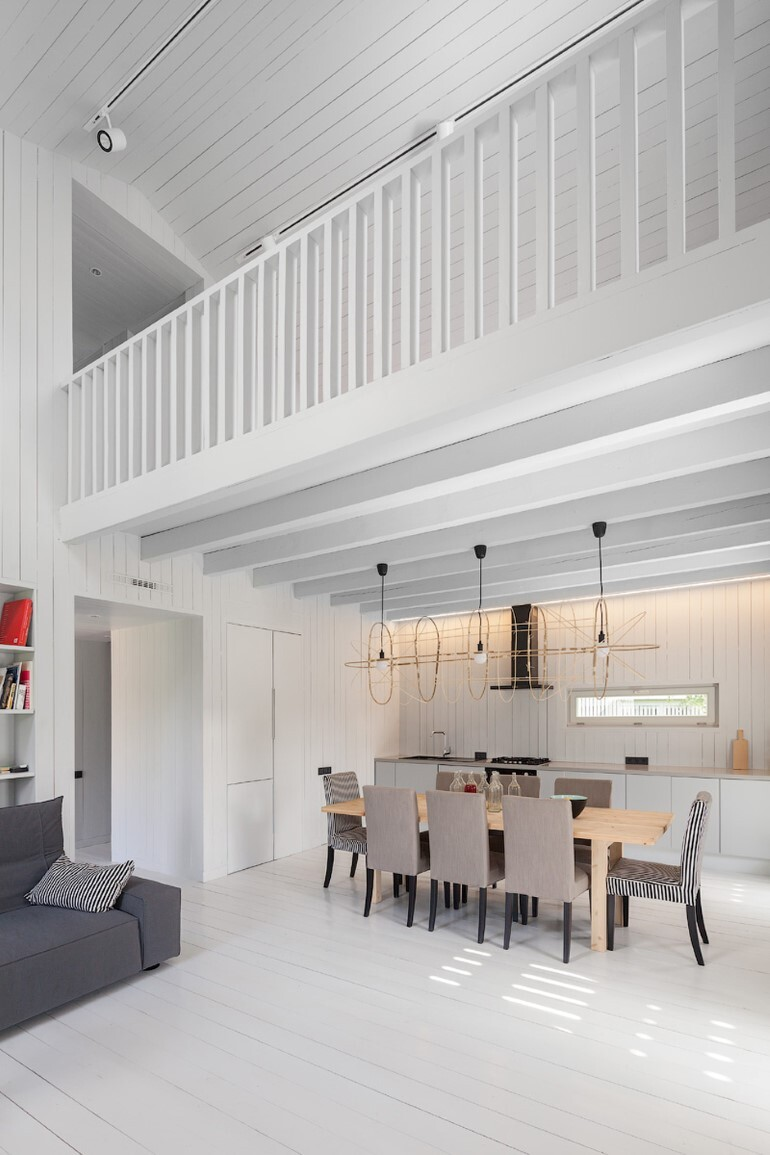 Architect Alexey Ilyin Has Designed for His Family a Wooden Cottage with a Monochrome Design (12)