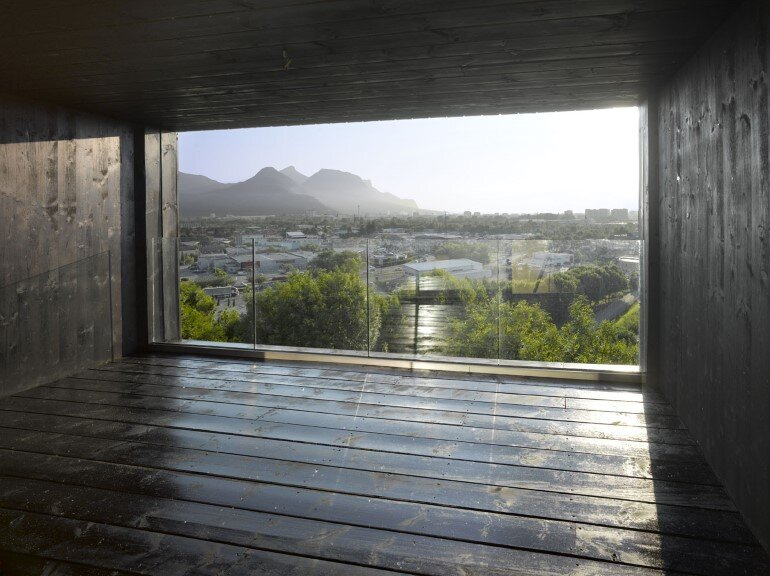 Artist Residency - a Silent Piece of Art with Monolithic Architecture (12)